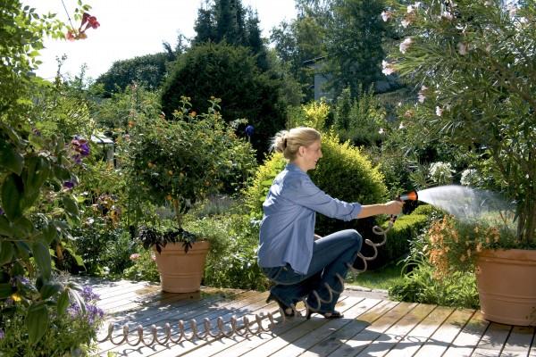 GARDENA Spiralschlauch-Set 10 m, komplett mit Classic Bewässerungsbrause und Systemteilen